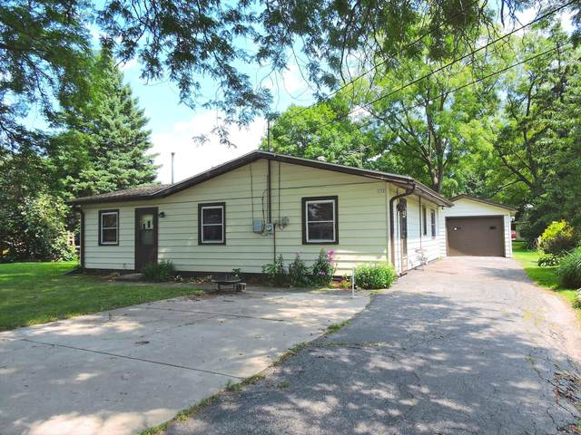 132 Elm St., Walworth, WI 53184 (#1703422) :: RE/MAX Service First Service First Pros