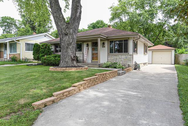 230 N 111th St, Wauwatosa, WI 53226 (#1703465) :: OneTrust Real Estate