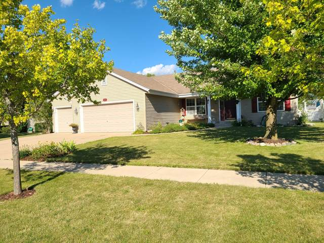 817 N Patricia St, Elkhorn, WI 53121 (#1703474) :: OneTrust Real Estate