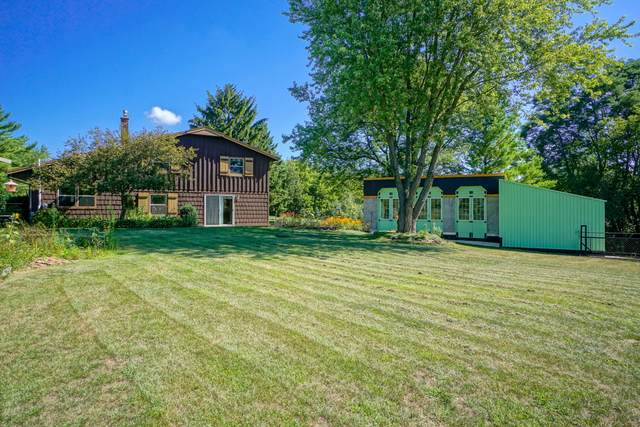 W310N1054 Bunker Hill Trl, Delafield, WI 53018 (#1703508) :: OneTrust Real Estate