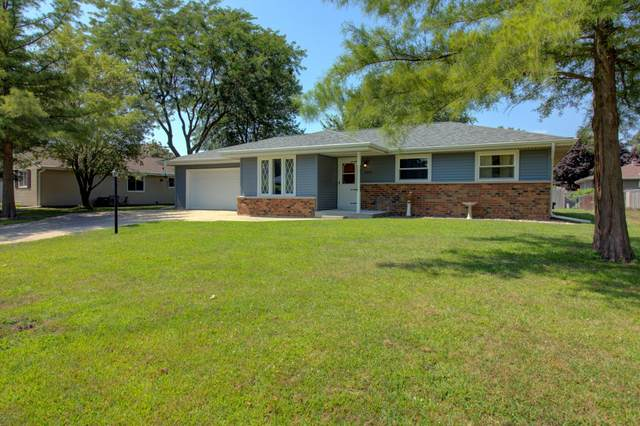 2236 Commons Ave, Janesville, WI 53546 (#1703572) :: RE/MAX Service First Service First Pros