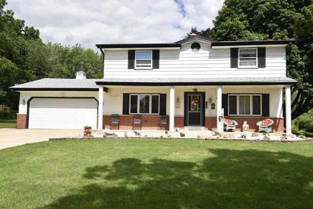 W134S6576 Sherwood Cir, Muskego, WI 53150 (#1703616) :: RE/MAX Service First Service First Pros
