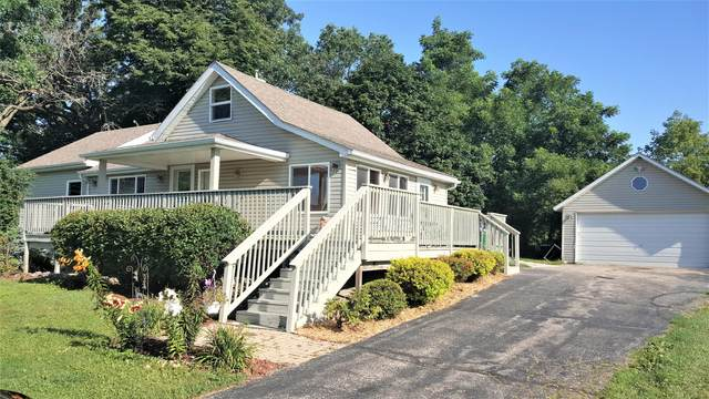 7324 Springfield Rd, Lyons, WI 53147 (#1703664) :: OneTrust Real Estate