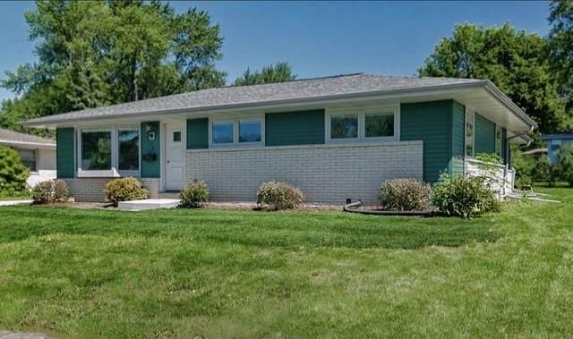 5778 Oakwood St, Greendale, WI 53129 (#1703690) :: Tom Didier Real Estate Team