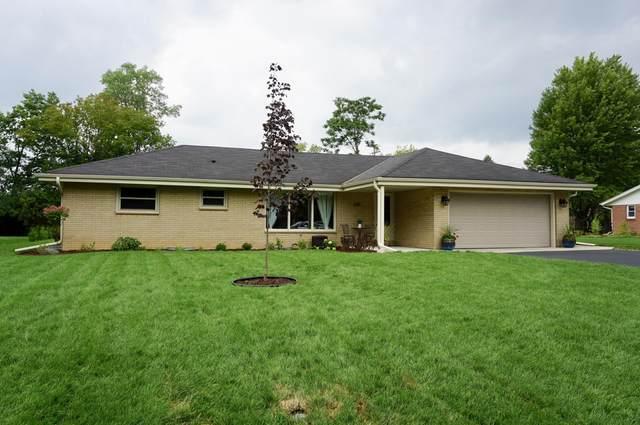 6115 N Bridgewood Ln, Glendale, WI 53209 (#1703769) :: OneTrust Real Estate