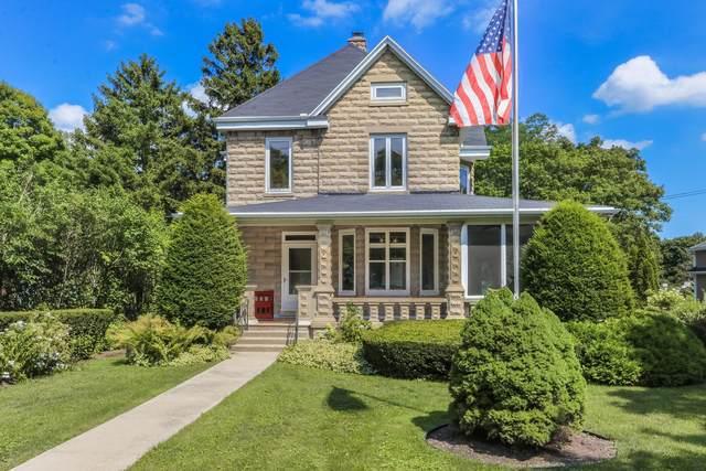 555 S Lake Shore Dr, Lake Geneva, WI 53147 (#1703793) :: OneTrust Real Estate