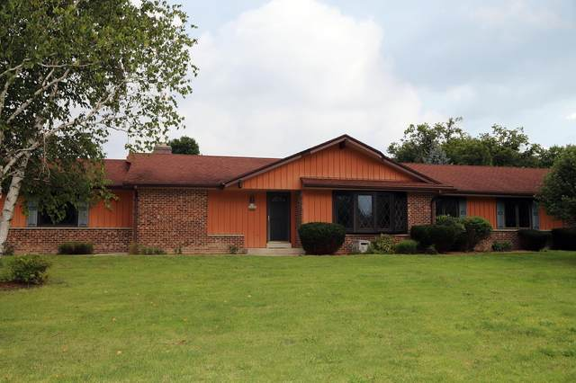 S70W13152 Woods Rd, Muskego, WI 53150 (#1703829) :: RE/MAX Service First Service First Pros