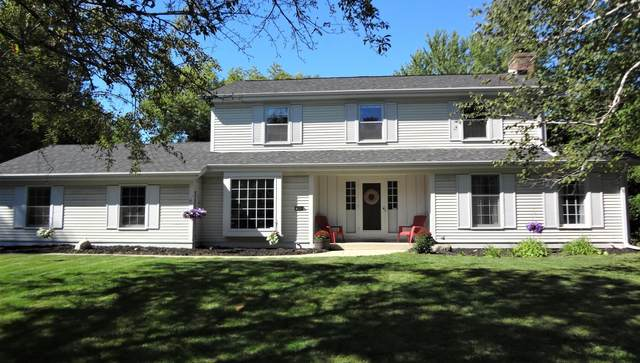 15660 Gebhardt Rd, Brookfield, WI 53005 (#1703876) :: RE/MAX Service First Service First Pros