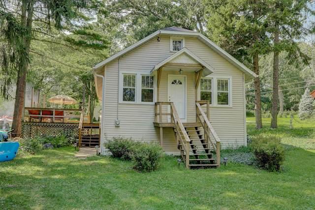 N3195 Robin Rd, Geneva, WI 53147 (#1703981) :: OneTrust Real Estate