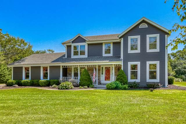 W331S4040 Connemara, Genesee, WI 53118 (#1704103) :: OneTrust Real Estate