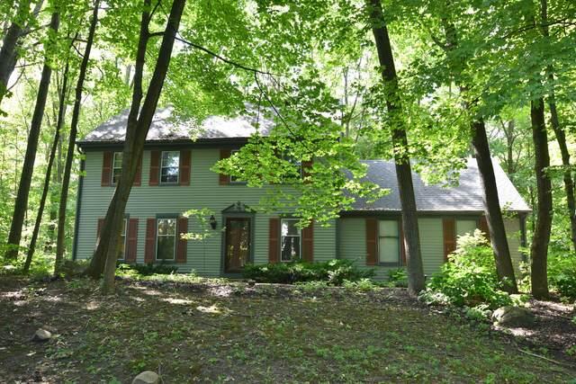 327 Kettle Ct, Slinger, WI 53086 (#1704378) :: NextHome Prime Real Estate