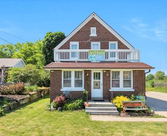 532 E Green Bay Ave #534, Saukville, WI 53080 (#1704381) :: Tom Didier Real Estate Team