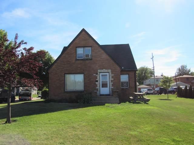 6959 W Fond Du Lac Ave, Milwaukee, WI 53218 (#1704461) :: NextHome Prime Real Estate