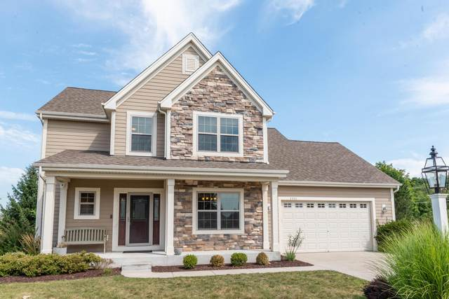 2801 Mohican Cir, Waukesha, WI 53189 (#1704565) :: RE/MAX Service First Service First Pros