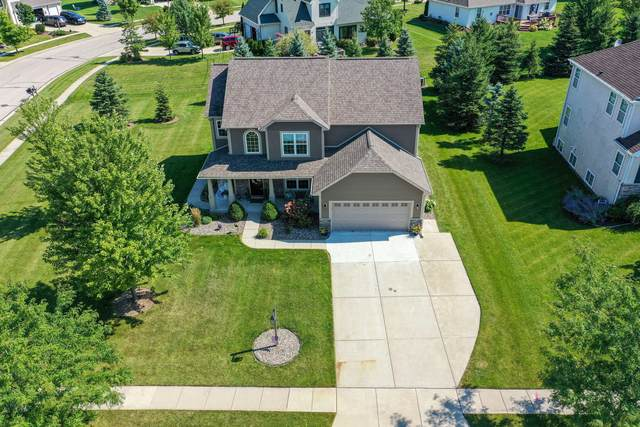 1334 Macintosh Way, Mukwonago, WI 53149 (#1704626) :: Tom Didier Real Estate Team