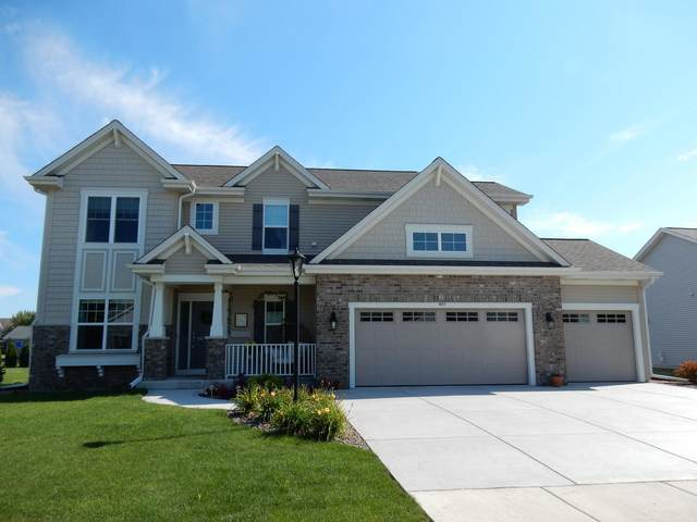 877 Willow Bend Dr, Waterford, WI 53185 (#1704750) :: Tom Didier Real Estate Team