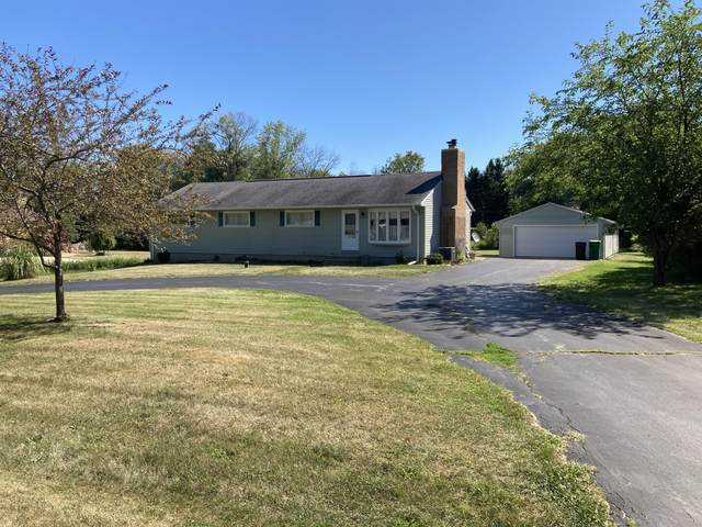 11334 N Valley Dr, Mequon, WI 53092 (#1705045) :: RE/MAX Service First Service First Pros