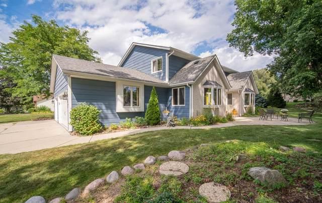 12260 W Scarlet Oak Ct, Greenfield, WI 53228 (#1705084) :: OneTrust Real Estate