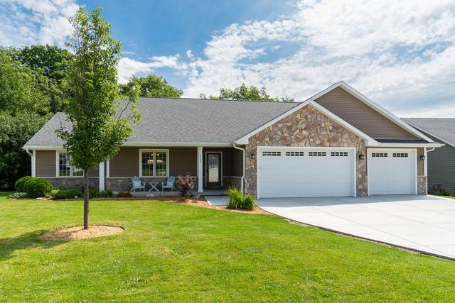 455 Manning Way, Lake Geneva, WI 53147 (#1705117) :: RE/MAX Service First Service First Pros