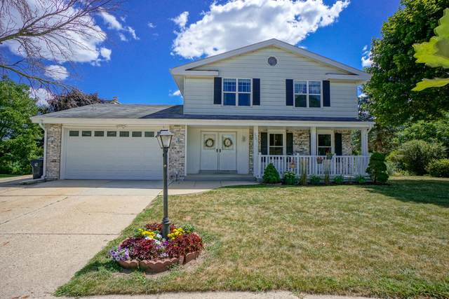 2707 Newcastle Ct, Waukesha, WI 53188 (#1705128) :: RE/MAX Service First Service First Pros
