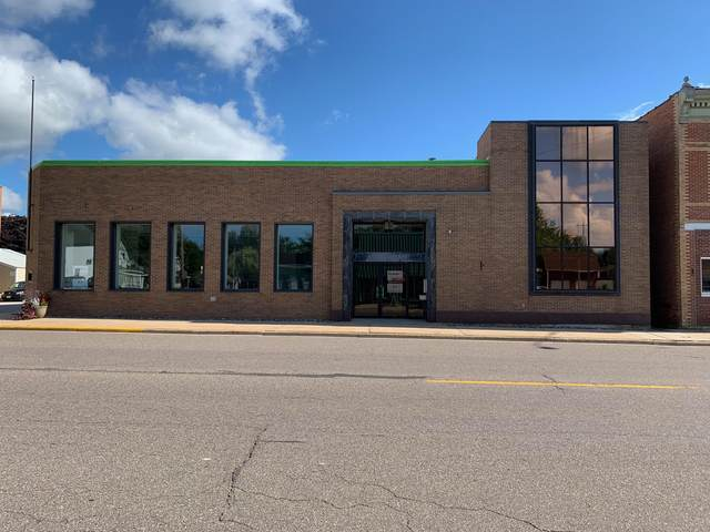 725 E Main St, Suring, WI 54174 (#1705217) :: OneTrust Real Estate