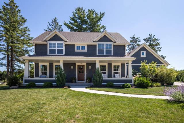 474 Park Ct, Hartland, WI 53029 (#1705334) :: RE/MAX Service First Service First Pros
