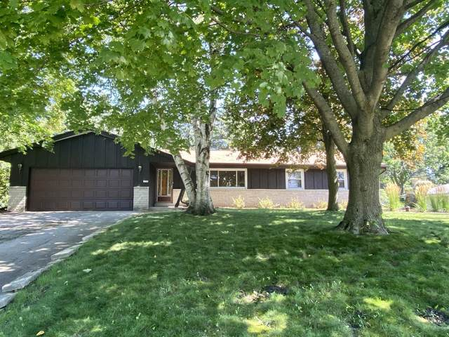 4140 S 103rd St, Greenfield, WI 53228 (#1705590) :: OneTrust Real Estate
