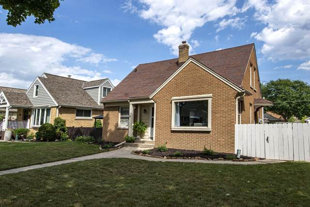 3038 N 85th St, Milwaukee, WI 53222 (#1705866) :: RE/MAX Service First Service First Pros