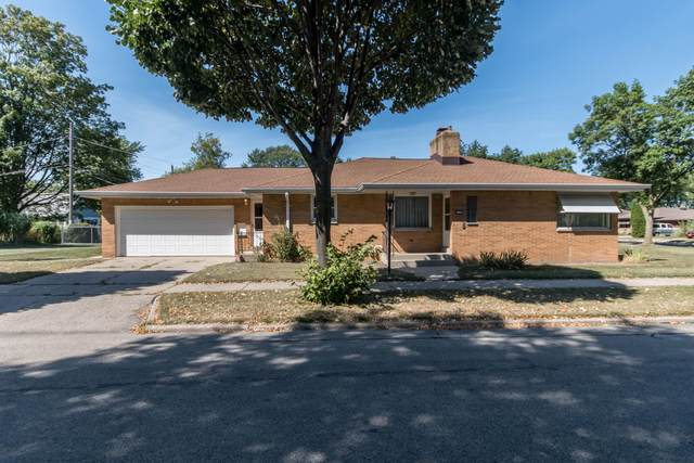 8500 W Vienna Ave, Milwaukee, WI 53222 (#1705899) :: RE/MAX Service First Service First Pros