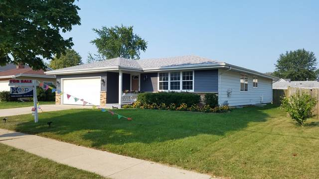 7004 60th Ave, Kenosha, WI 53142 (#1706210) :: RE/MAX Service First Service First Pros