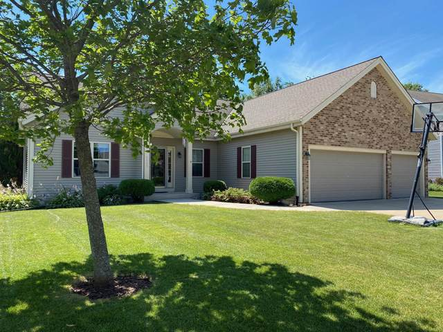 8843 W Silverwood Ct, Franklin, WI 53132 (#1706292) :: Tom Didier Real Estate Team