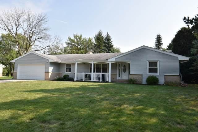 18065 Ashlea Dr, Brookfield, WI 53045 (#1706293) :: RE/MAX Service First Service First Pros