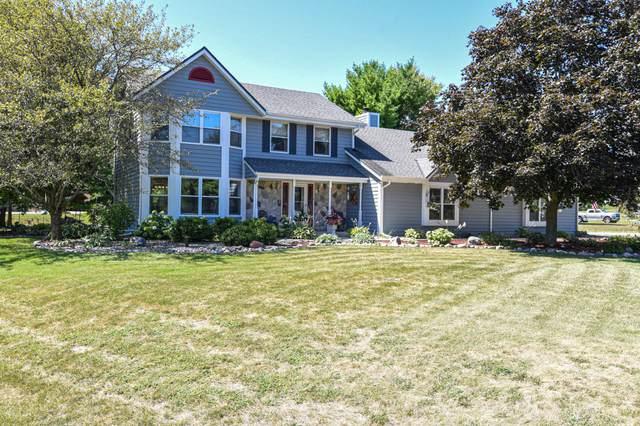 S85W32411 Joshua Dr, Mukwonago, WI 53149 (#1706350) :: OneTrust Real Estate
