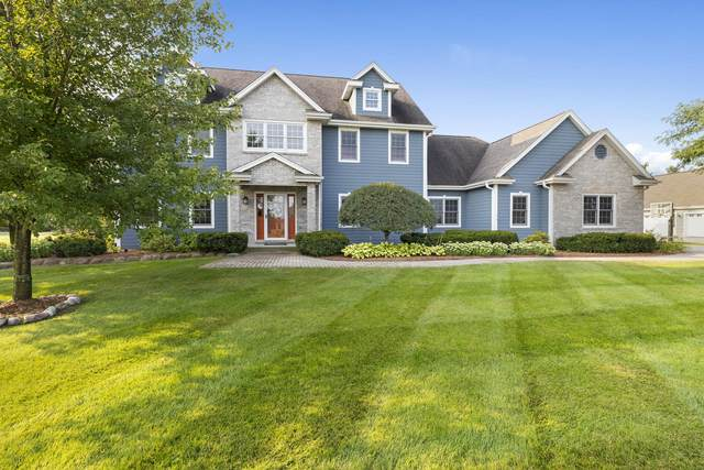 38953 Forest Run, Summit, WI 53066 (#1706479) :: NextHome Prime Real Estate