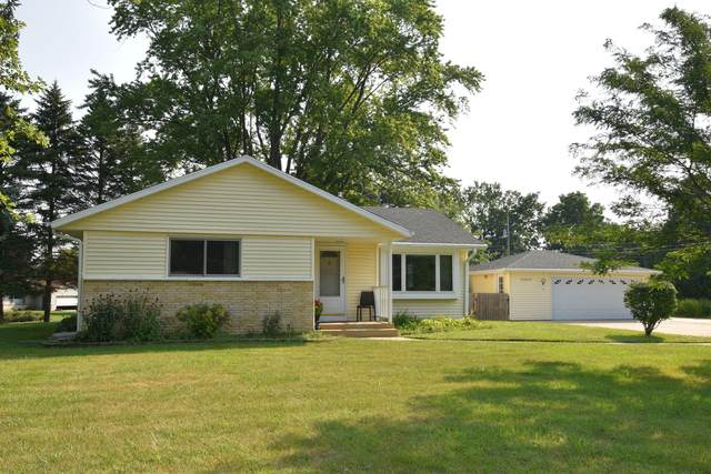 W148N6330 Pocahontas Dr, Menomonee Falls, WI 53051 (#1706602) :: RE/MAX Service First Service First Pros