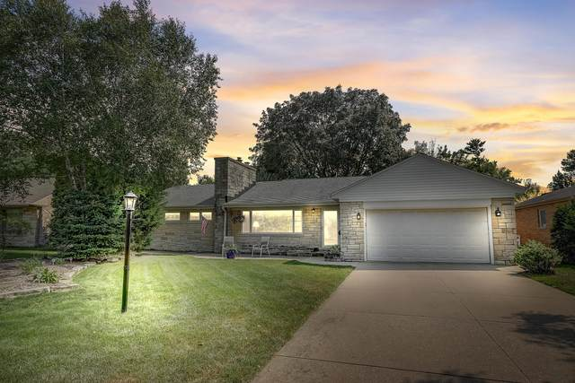 9405 W Hadley St, Milwaukee, WI 53222 (#1706694) :: OneTrust Real Estate
