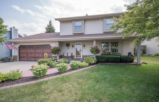 W163N10578 Ridgeview Ln, Germantown, WI 53022 (#1706801) :: RE/MAX Service First Service First Pros