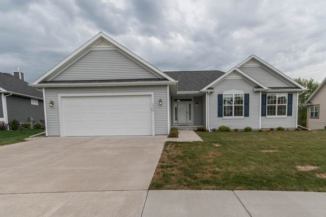 1536 Dovetail Dr, Hartford, WI 53027 (#1706853) :: NextHome Prime Real Estate