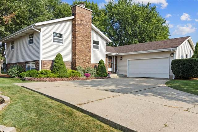 1041 Bluebird Ln, Union Grove, WI 53182 (#1706859) :: RE/MAX Service First Service First Pros