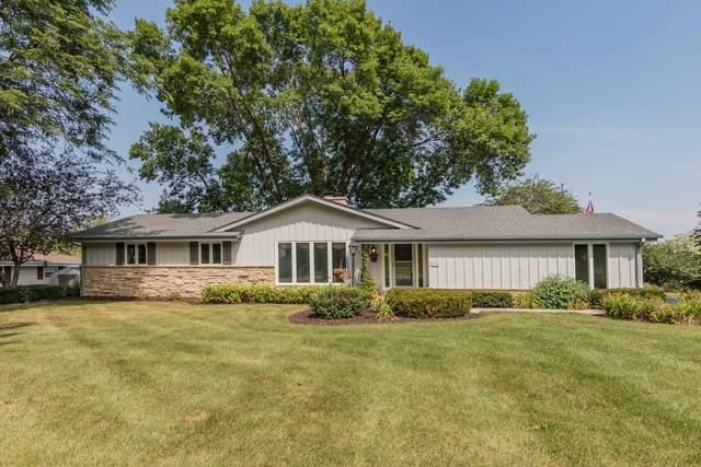 N105W21034 Oak Ln, Germantown, WI 53022 (#1706889) :: OneTrust Real Estate