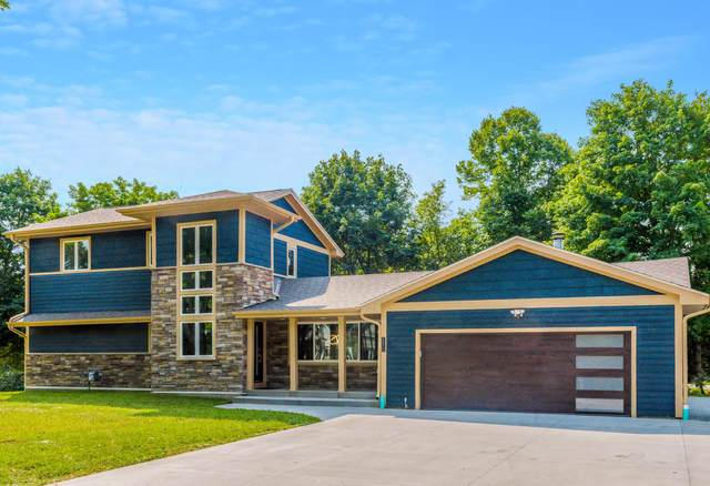 36211 N Lalumiere Rd, Oconomowoc Lake, WI 53066 (#1707048) :: NextHome Prime Real Estate