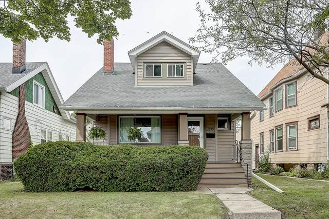 1575 S 77th St, West Allis, WI 53214 (#1707165) :: RE/MAX Service First Service First Pros