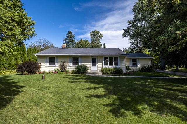230 Westmoor Dr, Brookfield, WI 53005 (#1707190) :: OneTrust Real Estate