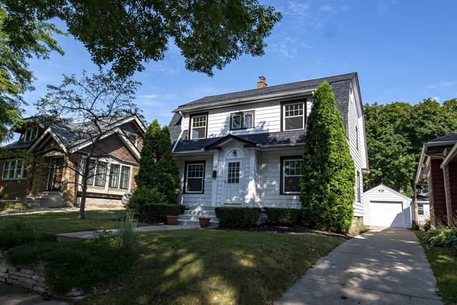 1628 N 51st St, Milwaukee, WI 53208 (#1707211) :: RE/MAX Service First Service First Pros
