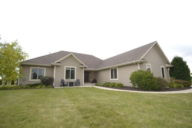 13350 N Laurel Ln, Mequon, WI 53097 (#1707430) :: NextHome Prime Real Estate