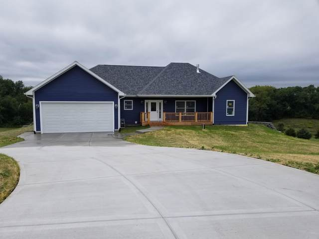 7037 N Hillside Ct, Richmond, WI 53115 (#1707673) :: NextHome Prime Real Estate