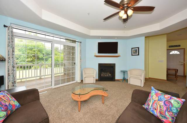 6753 S Prairiewood Ln, Franklin, WI 53132 (#1707734) :: OneTrust Real Estate