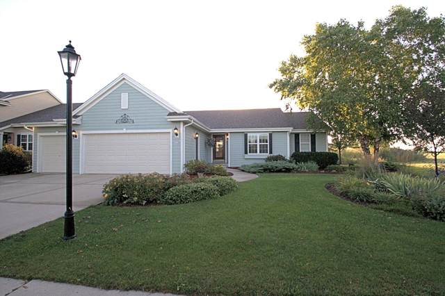 220 N Sweetwater Blvd, Port Washington, WI 53074 (#1707886) :: RE/MAX Service First Service First Pros