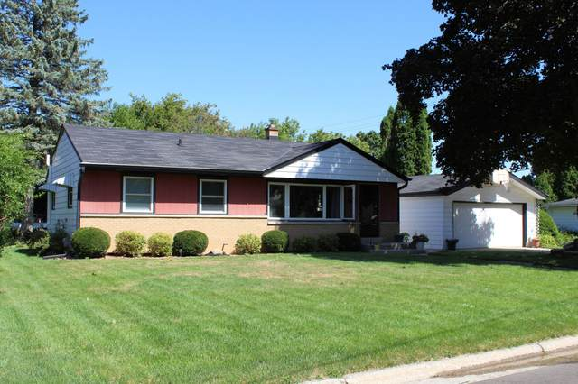 1710 Marion Ave, South Milwaukee, WI 53172 (#1708067) :: Tom Didier Real Estate Team