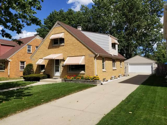 2930 S 60th St, Milwaukee, WI 53219 (#1708173) :: RE/MAX Service First Service First Pros
